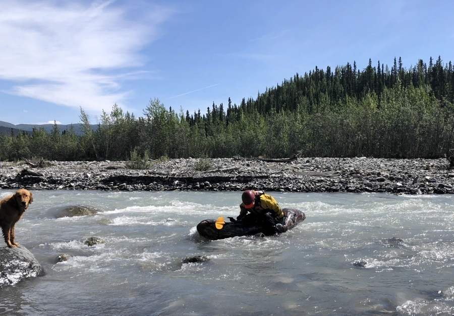 packraft race in mccarthy alaska.